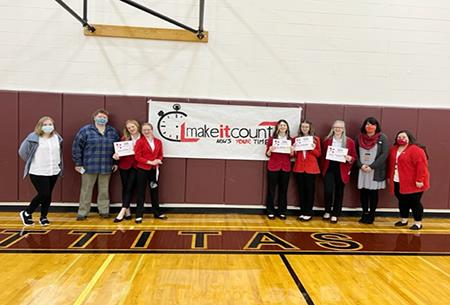 Congratulations to the Selah High School FCCLA LifeSmarts/Knowledge Bowl Team which qualified for nationals this summer.