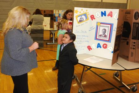 Homelink students present during their presidential showcase.